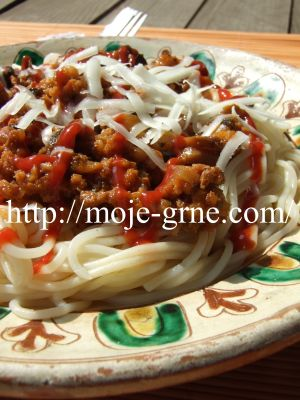 Grnetove špagete sa mlevenim mesom
