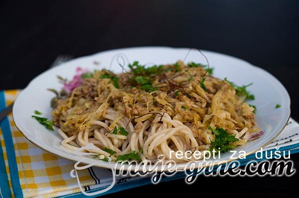 Špageti sa kiselim kupusom i tunjevinom