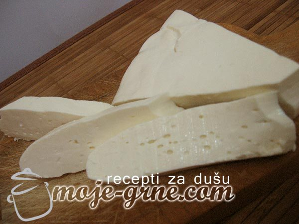 Domaći kravlji sir