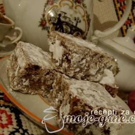 Starinski kolač sa medom