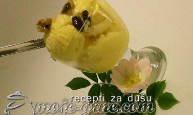 Sladoled od vanile sa medom i rumom