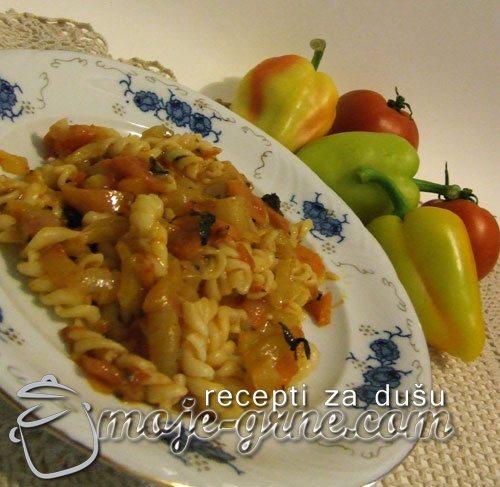 Posne makarone sa paprikom