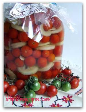 cherry-paradajz-sa-lukom