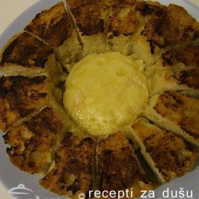 Hleb sa brie sirom