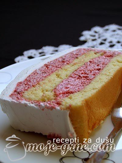 Jednostavna torta sa kremom od kupine