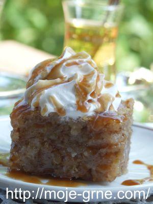 preliveni kolač sa grizom