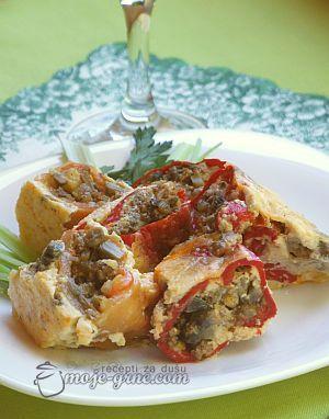 rolovane pecene paprike sa mlevenim mesom