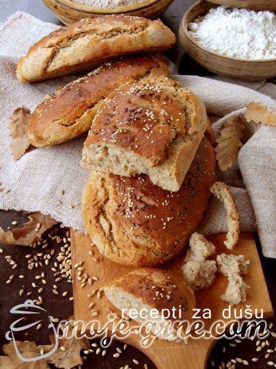 Hleb od integralnog i crnog brašna sa pirinčem