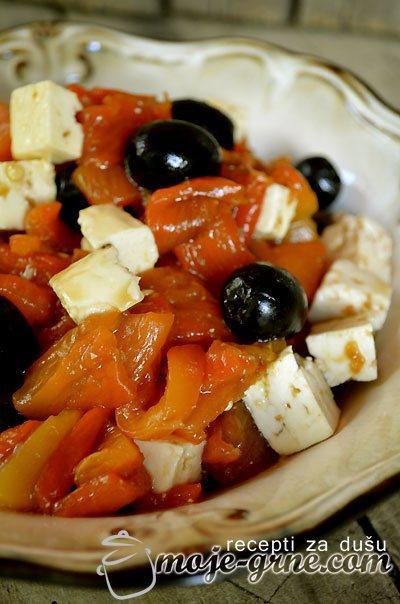 Salata sa paprikom i kozjim sirom