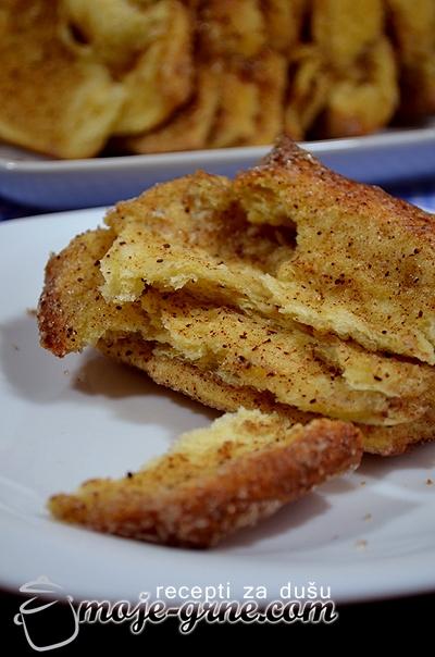 Strast sa šećerom i cimetom - Cinnamon Sugar Pull-Apart Bread