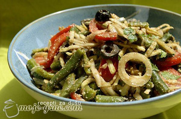 Salata sa boranijom i kelerabom