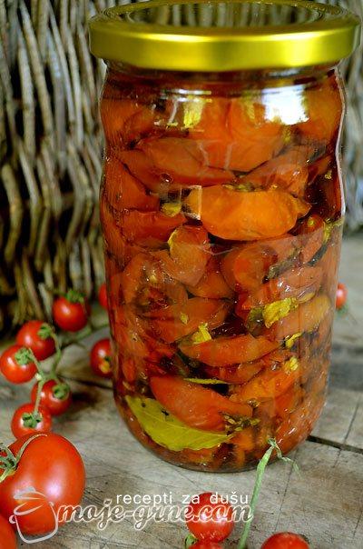 Sušeni paradajz u rerni