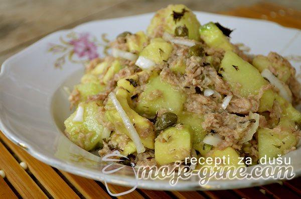 Salata od avokada i dinje