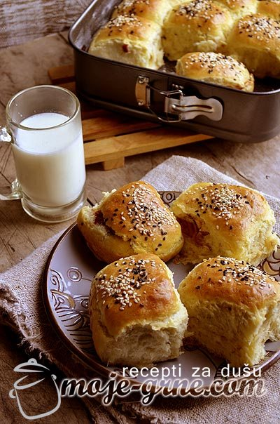 Filled Butter Dinner Buns | Slane buhtle