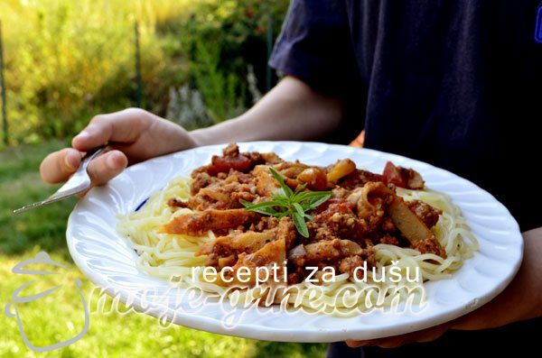 Špageti sa bukovačama