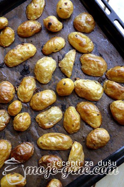 Pečeni mladi krompirići