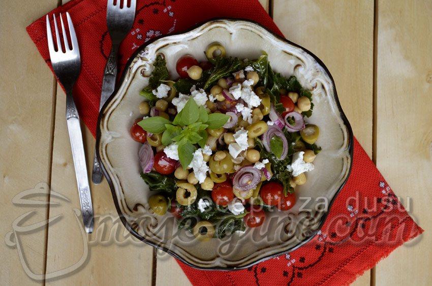 Salata od leblebije sa feta sirom