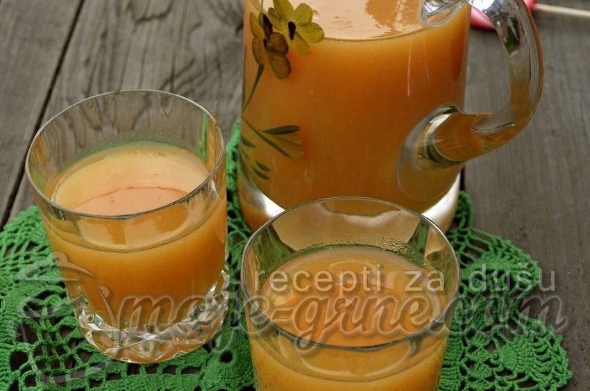 Domaći kašasti sok od mešanog voća