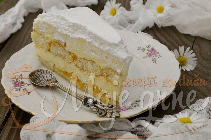 Krem torta sa breskvama iz kompota