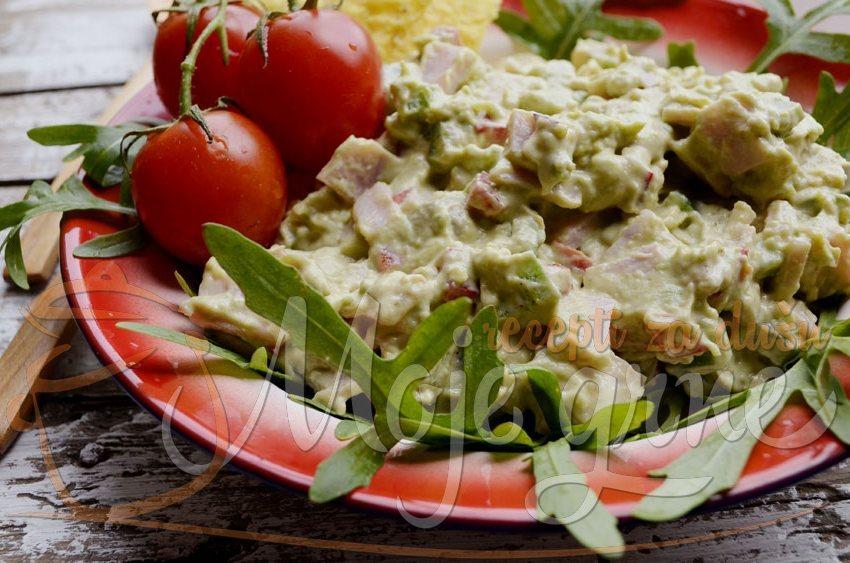 Krem salata sa avokadom
