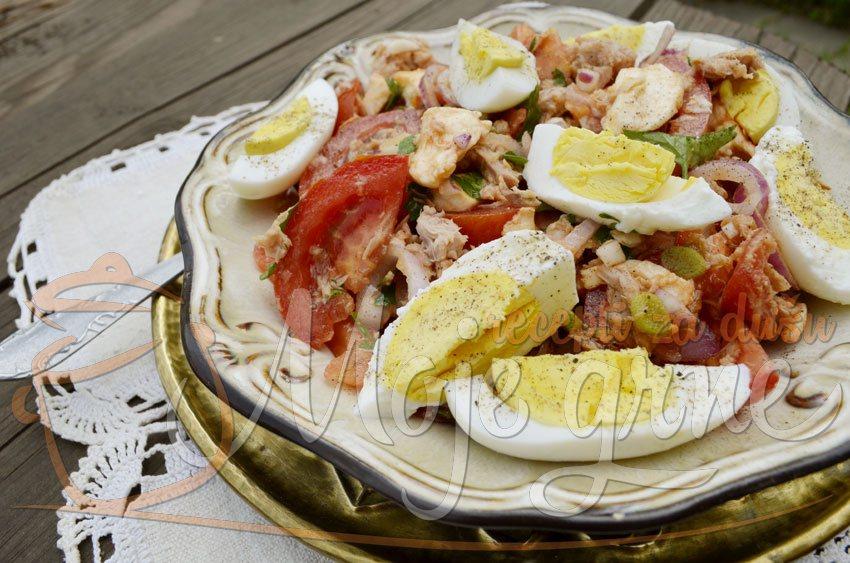 Pikantna salata od tunjevine sa mocarelom