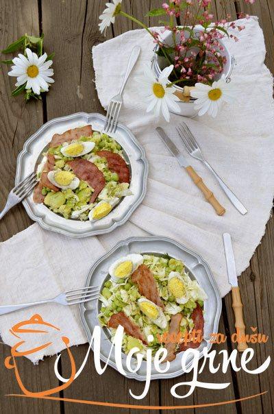 Salata sa kupusom, mladim bobom i graškom