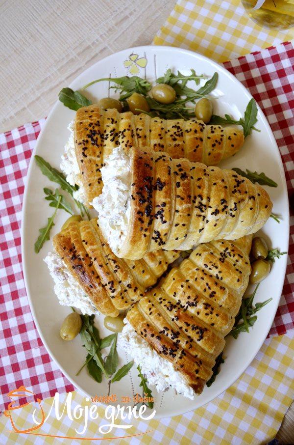 Gurmanska salata u fišecima od testa