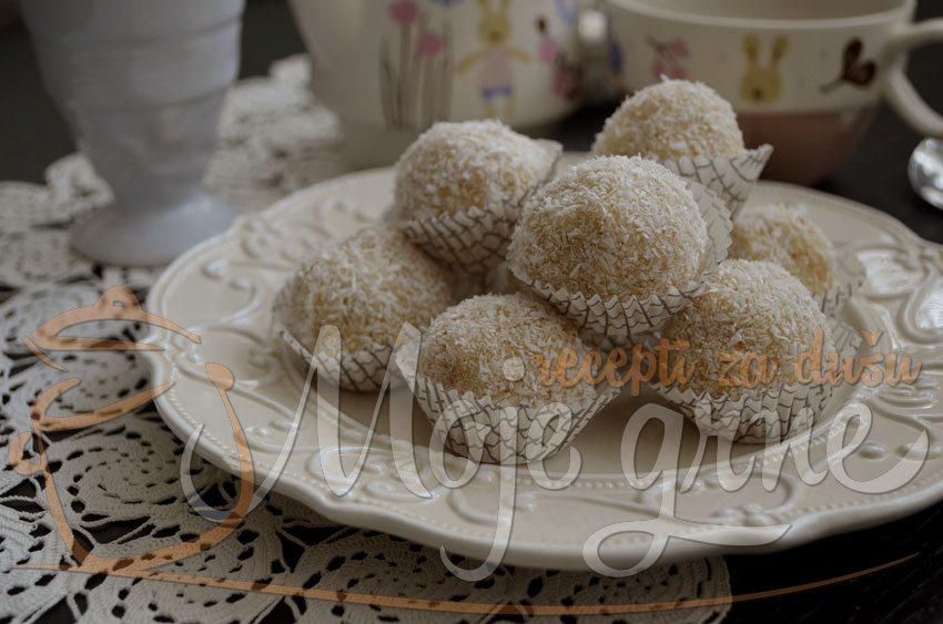Kokos kuglice sa belom čokoladom