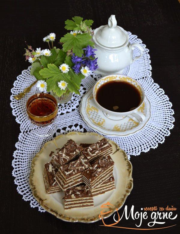 Medeni karamel kolač