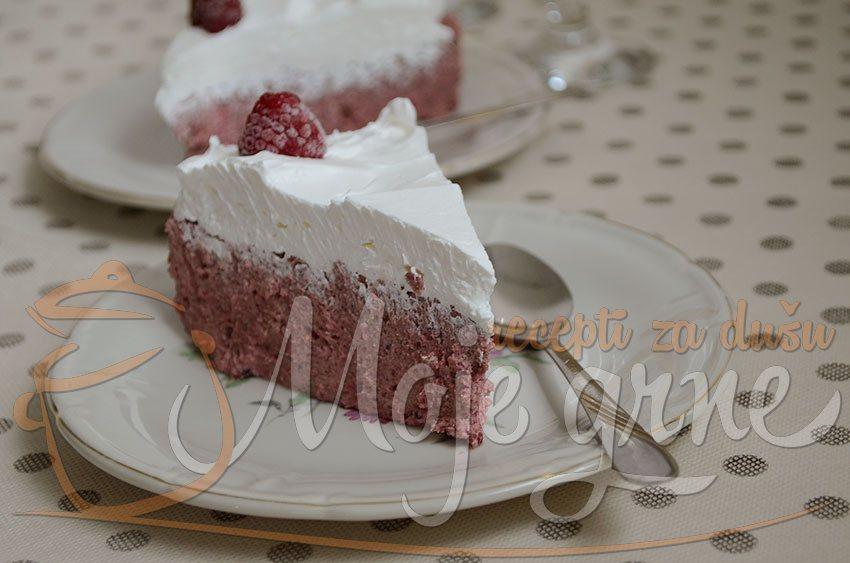 Nepečena voćna keks torta