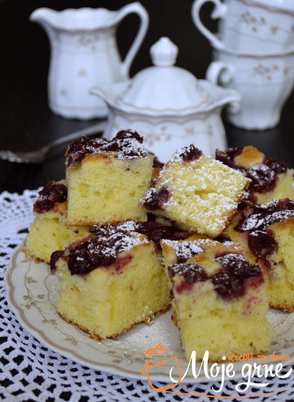 Mamin kolač sa višnjama