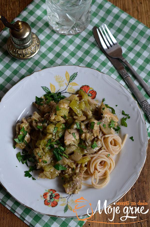 Karabatak u sosu od tikvica i bukovača