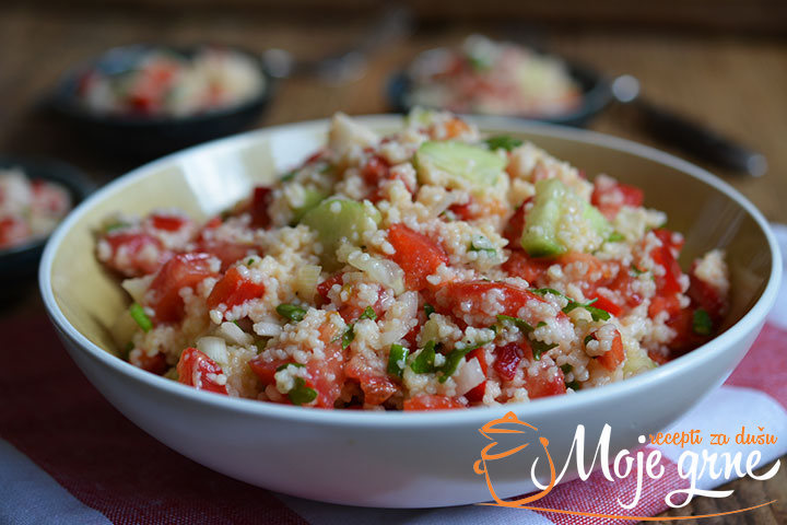 Orijentalna kuskus salata