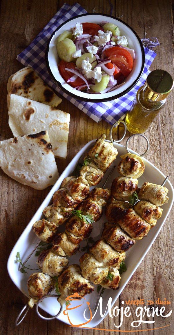 Pileći suvlaki (Greek chicken souvlaki)