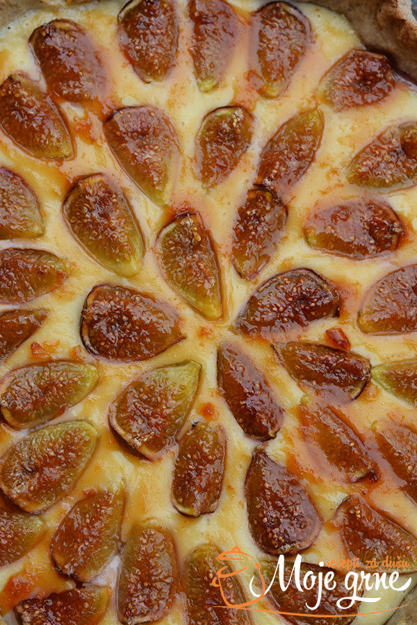 Tart sa svežim smokvama