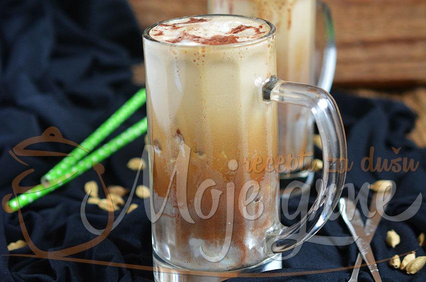Ledena kafa sa kardamomom
