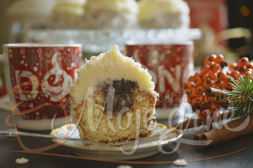Snežni lamington kapkejk sa vanilom