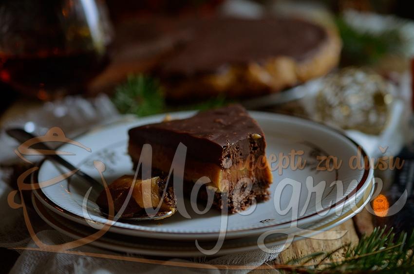 Čoko-karamel pita sa puterom od kikirikija