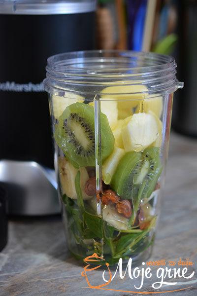 Zeleni smuti sa spanaćem - Spinach Green Smoothie