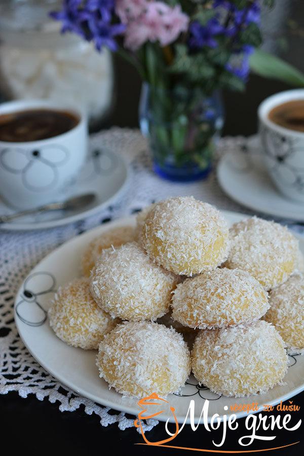 Starinski kokos kolač
