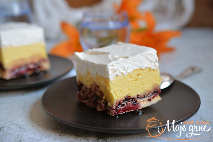Krem kolač sa borovnicama