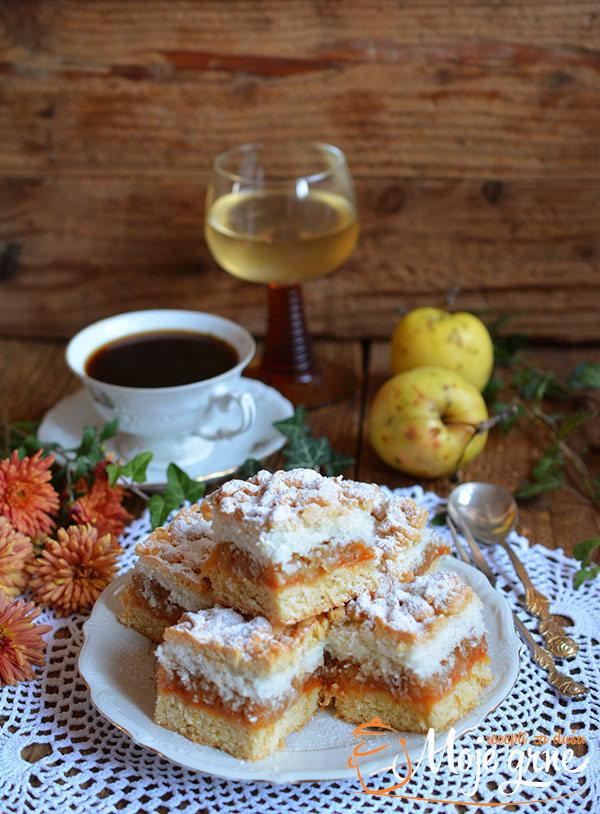 Kokos kolač sa jabukama