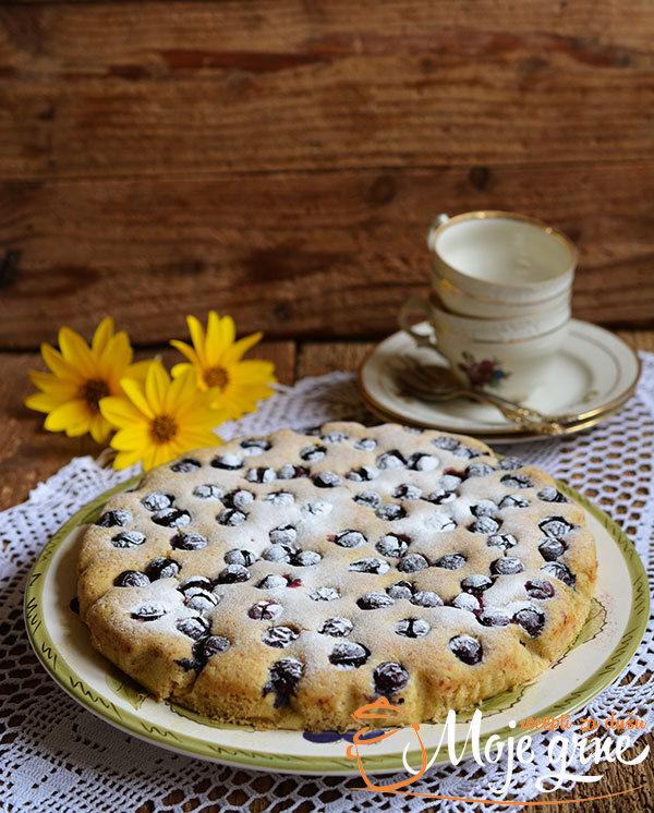 Kukuruzni kolač sa grožđem i maslinovim uljem