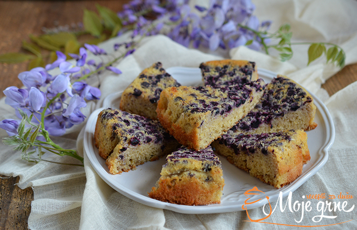 Jednostavni kolač sa borovnicama